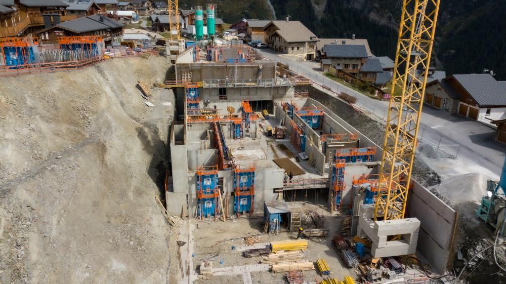 Banches SC 1015 BOX RS Sateco sur le chantier de SOTARBAT de l'Alpen Lodge de la Rosière Montvalezan