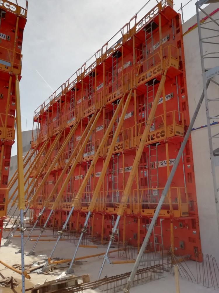 Banches Sateco SC 1015 Box sur le chantier d'un conservatoire de musique avec Demathieu Bard