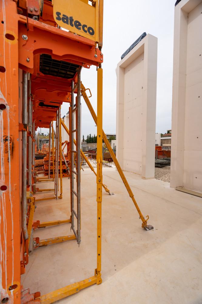 La banche  Sateco SC 1015 Box sur le chantier de Demathieu Bard pour un conservatoire de musique