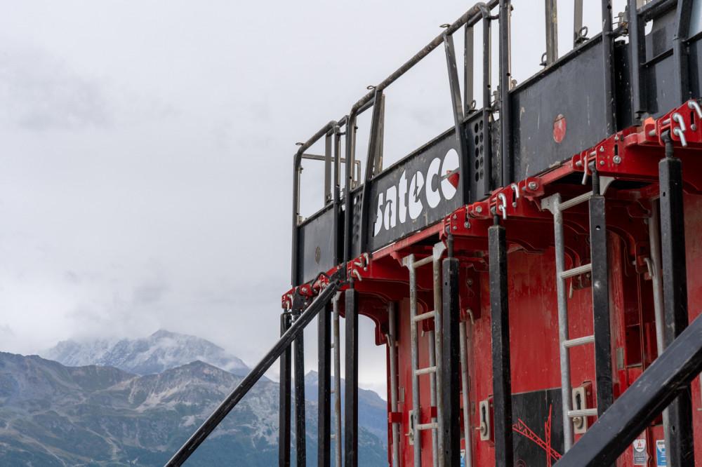 Banche Sateco sur un chantier de montagne
